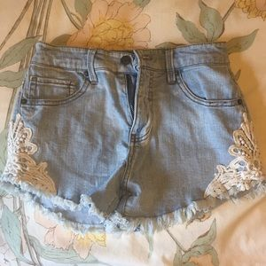 mossimo high rise crochet shorts size 2/26